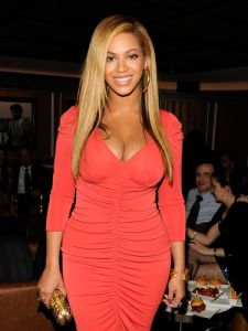 cos-05-beyonce-straight-strands-de