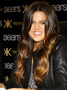 cos-09-khloe-kardashian-colored-hair-de