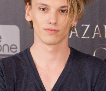 00jamie-campbell-bower_glamour_20sep13_pa_b_592x888