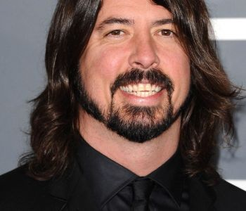dave-grohl_glamour_24sep13_rex_b_592x888