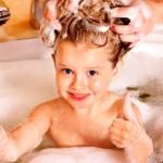 Как-правильно-мыть-волосы-детям
