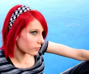4073676_thumb-la-coloration-de-cheveux-en-10-questions-8782